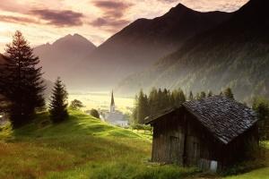 austria-misty-mountain-village-1400x1050