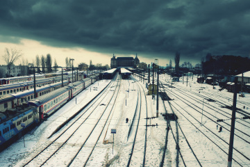 nostalgic-railway-station-free-desktop-wallpaper-2560x1600